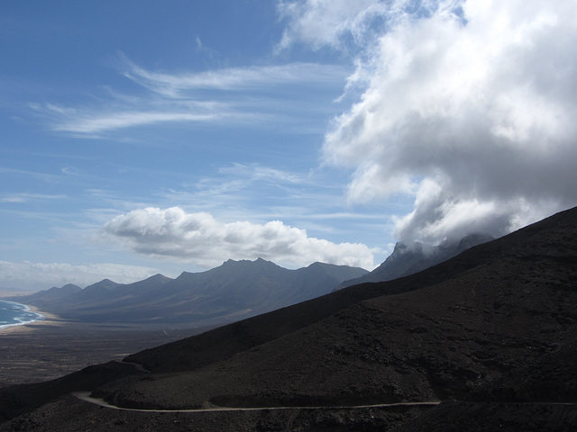 Wolken und Lava