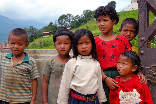 Nepalese kids near the Bagmati river