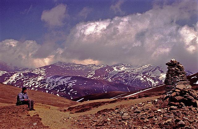 We reach the DagaLa (pass 3200 m)