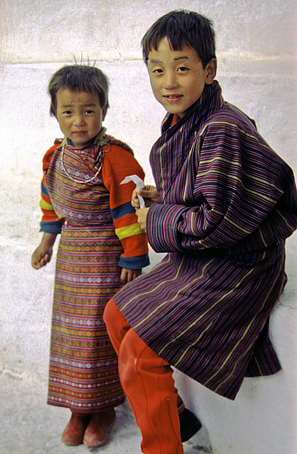 Bhutanese kids interested in coversation
