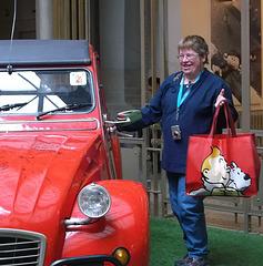 Gaston m'a prêté sa voiture !