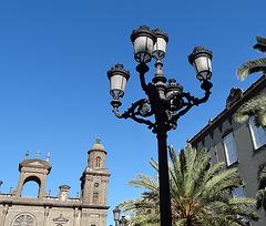 Lampe vor der Kathedrale