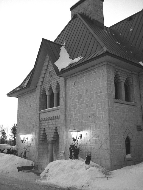 Abbaye / Abbey - St-Benoit-du-lac  /  Québec- CANADA - Février 2009 - Noir et blanc