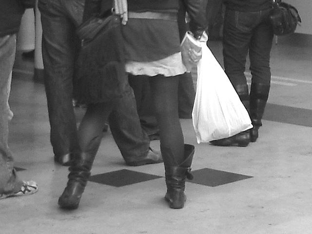 Forex quintet at the ferry building - Helsingborg - Sweden / Suède - 22-10-2008  - Noir et blanc.