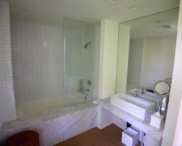 Abernathy Bath (7366)