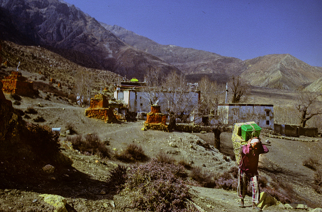 Leaving the Ghar Gompa
