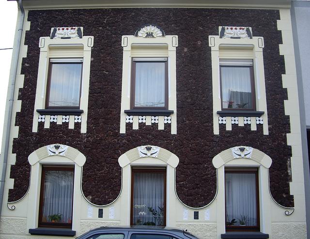 Haus mit Lavalithdekoration in Bendorf