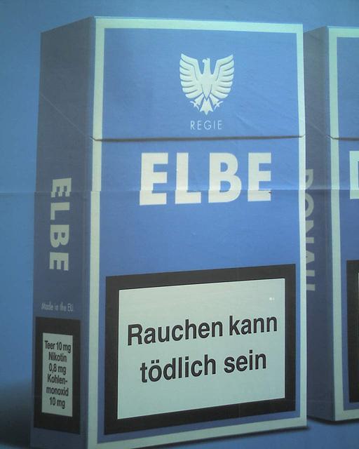 """Special Cigarette Edition """"Elbe"""" / 070531 184718"""
