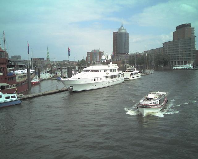 Hamburg - Sportboothafen / 070601 145035