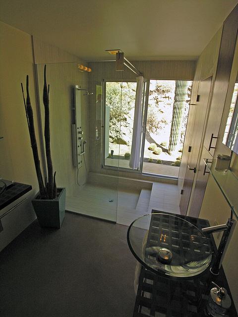 Russell House Bath (7285)