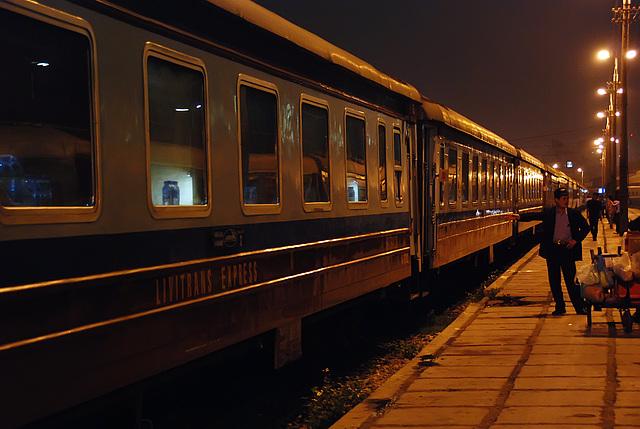 Night Train Hanoi - Lao Cai