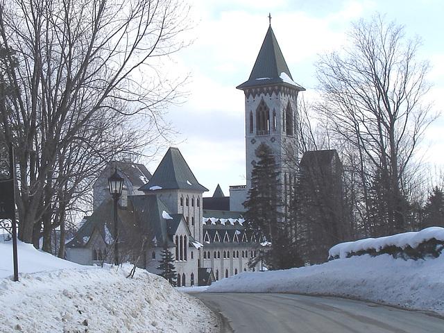 Abbaye St-Benoit-du-lac  / St-Benoit-du-lac  Abbey -  Quebec, CANADA  / 6 février 2009 -  Recadrage  /  Close-up