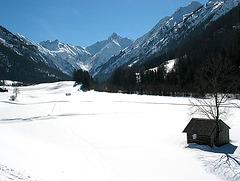 Winterspaziergang an der Trettach - Oberstdorf