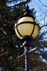 Lanterno en tombejo- Friedhofslampe