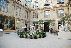 LE MUSEE COUR COUVERTE