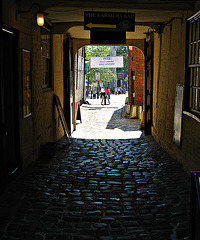 Kings Head passageway
