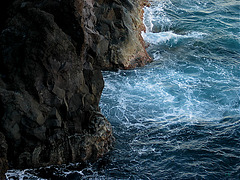 Erosion - Meer gegen Felsen