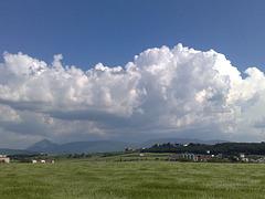 Nubes sobre valle de Egüés