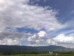 Nubes sobre la sierra Tajonar