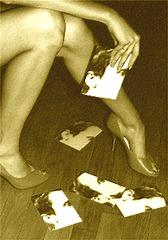 Leo under heels - Léo sous les talons hauts -  Astrid's  gift  /  Un cadeau de mon amie Astrid - Sepia