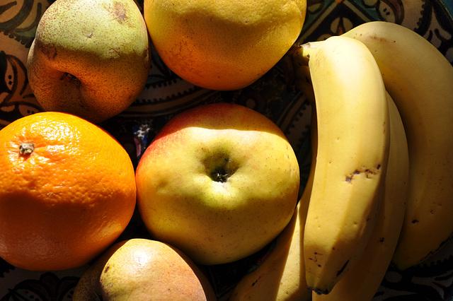 FRUITS ET LUMIERE