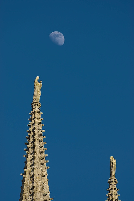 Moon + Rouen Cathedral (7)