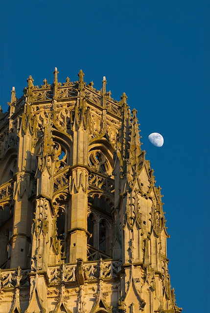 Moon + Rouen Cathedral (2)
