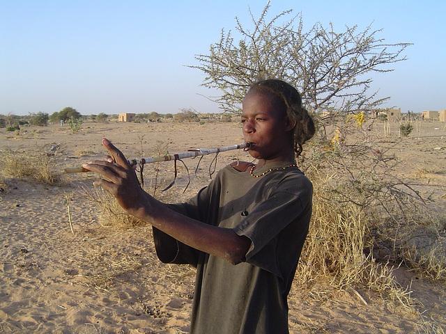 Joueur de flûte Peul, Agadez (Niger)