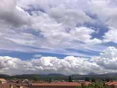 16052008069.Nubes en V. Aranguren
