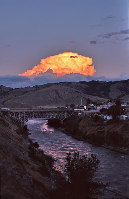 The orange cloud - 1