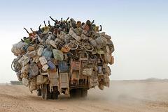 La scène ci-dessus se passe à Agadès (Niger), octobre 2006 - Photo : André Benamour