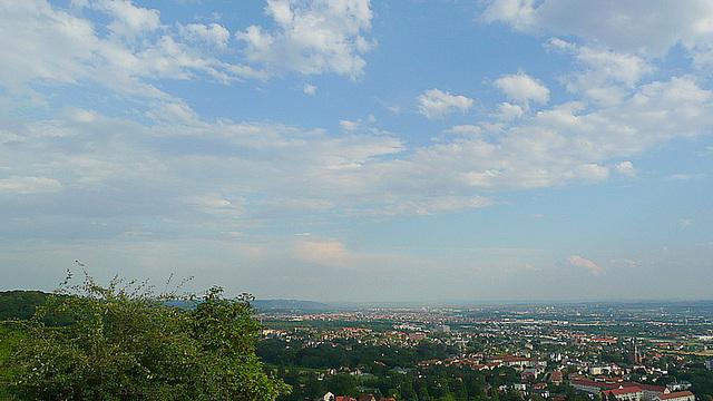 Blick vom Bismarckturm auf Dresden und Radebeul - August 2008