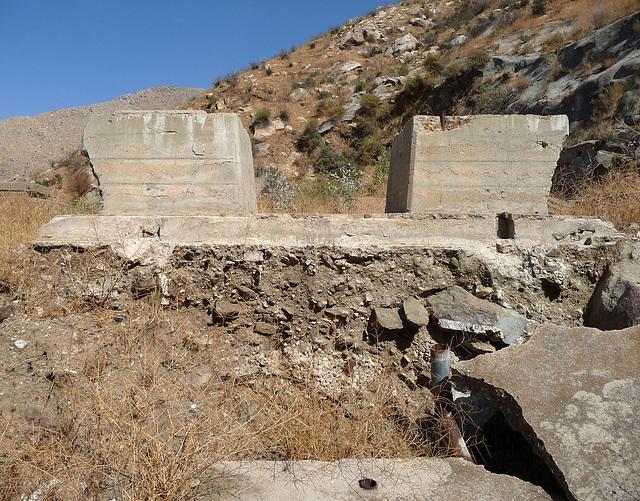 Colorado River Aqueduct at Mt San Jacinto (0409)