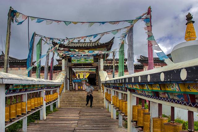 Tibetan monastery at Lijiangs Yulong Mountain