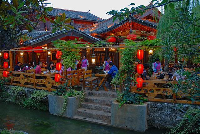 Restaurant across the canal in Lijiang