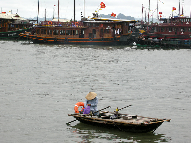 große Boote - kleines Boot