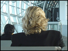 Blonde duo waiting for their flight - Duo de belles blondes - Boots under the seat  /  Bottes sous le siège  -  Brussels airport.
