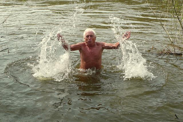 Morgendliches Bad in der Elbe 10°C