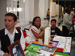 Amerika budo, ĉarma meksikanino inter Atilio kaj Eduardo Navas