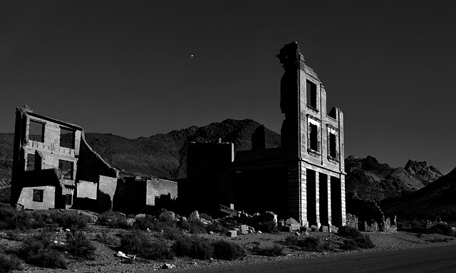 Ghosttown Rhyolite in the moonlight......