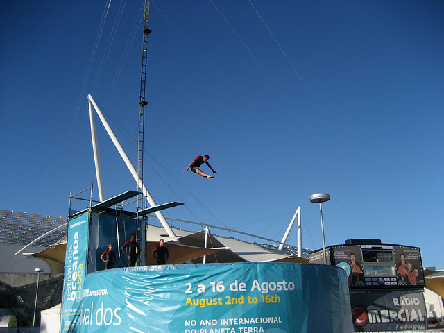 Lisboa, Festival of Oceans, diving-board jump (1)