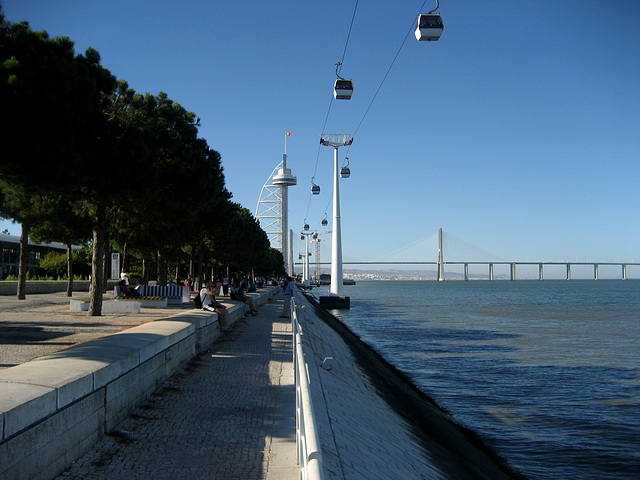 Lisboa, Parque das Nações (ex-EXPO 1998), Tower and Bridge Vasco da Gama