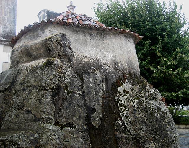 Vila de Alcobertas, dolmen (2)