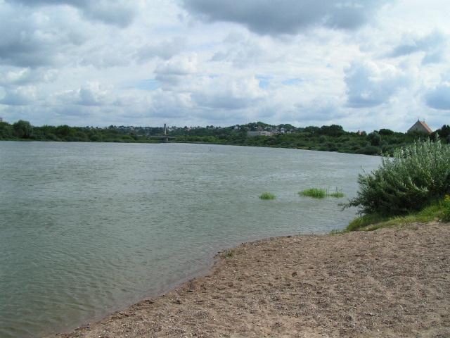 Kaŭnas situas ĉe la kunfluejo de la riveroj Nemunas (germ. Memel) kaj Neris