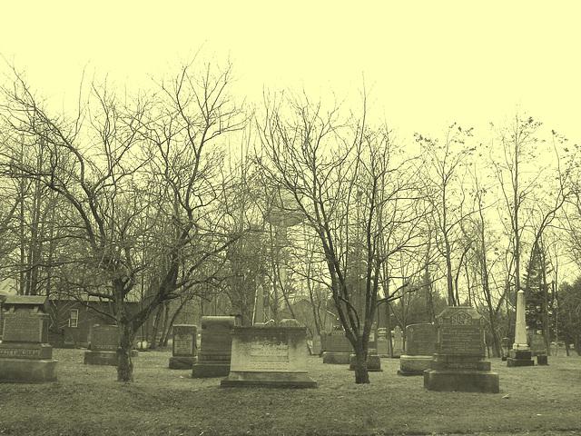 Cimetière et église  / Church and cemetery  -  Ormstown.  Québec, CANADA.  29 mars 2009  - En photo ancienne /  Vintage