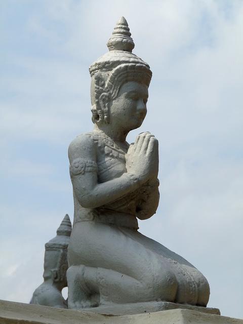 Statue, Royal Palace, Phnom Penh