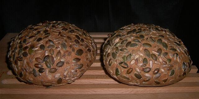 Volkoren pittenbroodjes