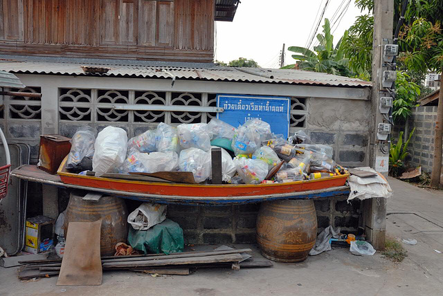 A boat used for garbage