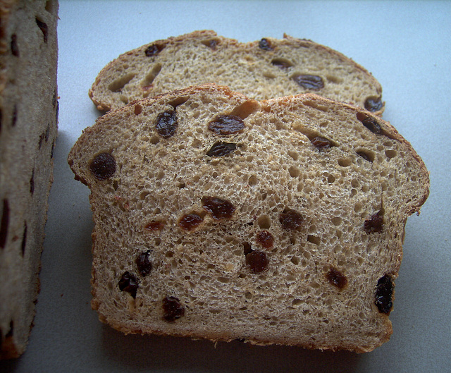 everyday oatmeal honey-raisin bread