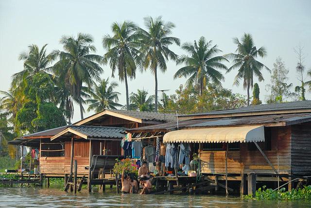 Along the Khlong Bangkok Noi and Maha Sawat